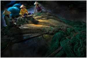 Raffles Merit Award E-Certificate - Thomas Lang (USA)  Repairing The Fishing Nets 16-13