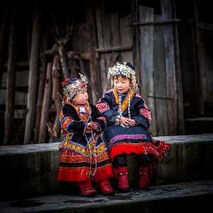 PhotoVivo Gold Medal - Liming Zhao (China)  Beautful Sisters