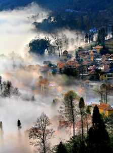 PhotoVivo Honor Mention - Tong Hu (China)  Floggy Mountain
