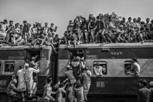 PhotoVivo Honor Mention e-certificate - Yonghong Jin (China)  Crowded Train 3