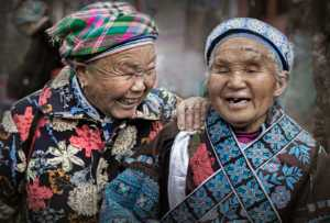 APU Honor Mention E-Certificate - Risheng Liu (China)  Old Sisters