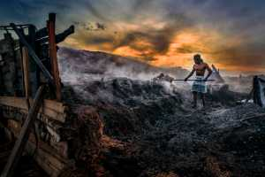 PhotoVivo Honor Mention e-certificate - Chong Kit Han (Malaysia)  Charcoal Worker 3