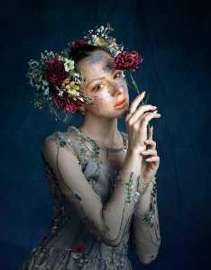 PhotoVivo Gold Medal - Zhenhua Xie (China)  Flower Girl