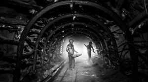 PhotoVivo Honor Mention e-certificate - Liu-Hsueh Hsieh (Taiwan)  Hardworking Miner