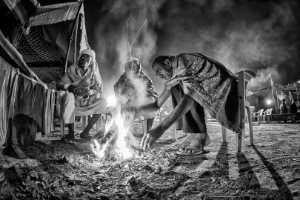 PhotoVivo Gold Medal - Hong Sang Woo (Malaysia)  Sharing Fire 111