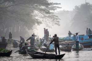 PhotoVivo Gold Medal - Chunlian Zhang (China)  Floating Market Over Water