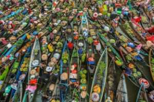 Golden Dragon Photo Award - Ikhsan Effendi (Indonesia) - Floating Market