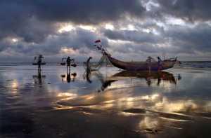 ICPE Gold Medal - Tong Hu (China)  Morning In The Fishing Village