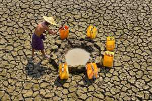 SIPC Bronze Medal - Thi Ha Maung (Myanmar)  Digging Earth For Water