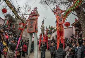 PhotoVivo Gold Medal - Chenxu Wang (China)  Stilt Walkers