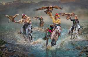 APAS Gold Medal - Yuk Fung Garius Hung (Hong Kong)  A Proud Group Of Eagle Hunters