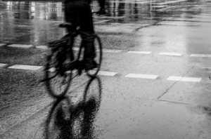 APAS Honor Mention e-certificate - Kuczynski Sebastian (Poland)  Bike And Rain
