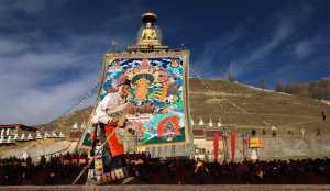 PhotoVivo Gold Medal - Liansan Yu (China)  Women In Sun Buddha Festival