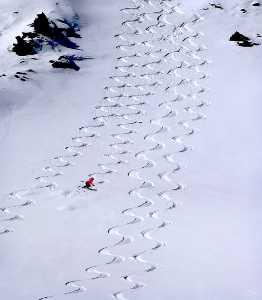 APU Winter Merit Award E-Certificate - Lajos Nagy (Romania)  Skiing On The Glacier