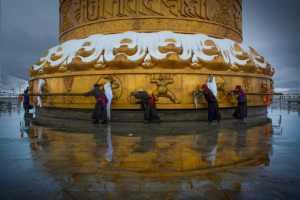 PhotoVivo Gold Medal - Zheng Ming Zheng (China)  Turn The Wheel
