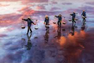 Honor Mention - Do Tuan Ngoc (Vietnam)  Dtn9-Sunset Salt Shadow
