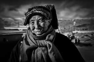 PhotoVivo Gold Medal - Jiuru Liang (China)  Old Tibetan Woman