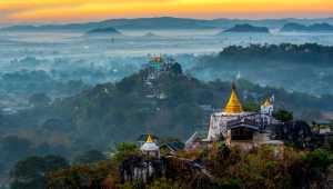 APU Gold Medal - Han Kim Teo (Singapore)  Temples At Sunrise