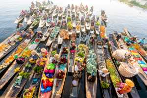 PhotoVivo Honor Mention e-certificate - Win Tun Naing (Singapore)  Floating Markets