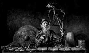 Raffles Photo Gold Medal - M Jeffry Hanafiah (Indonesia)  Puppet Master