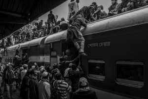 PhotoVivo Gold Medal - Chenglin Zheng (China)  Bangladesh Train16