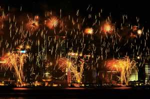 PhotoVivo Honor Mention e-certificate - Hon-Kwong Lee (Hong Kong)  Firework Raining