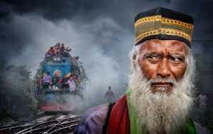 PhotoVivo Honor Mention e-certificate - Arnaldo Paulo Che (Hong Kong)  Where The Train Go