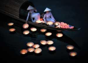 PhotoVivo Gold Medal - Hsiang Hui (Sylvester) Wong (Malaysia)  Floating Lantern