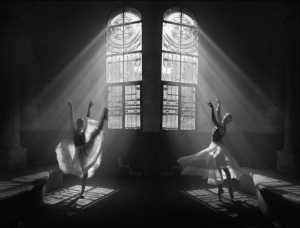 PhotoVivo Gold Medal - Feng Yanben (China)  Castle Dancing Girl