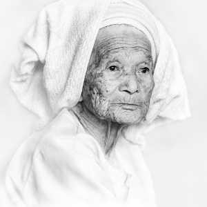PhotoVivo Gold Medal - Yunhui Dong (China)  Dai Grandma
