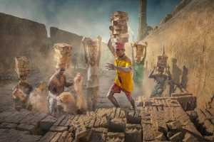 PSA Gold Medal - Yuk Fung Garius Hung (Hong Kong)  Brick Workers 2