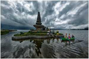 PhotoVivo Gold Medal - Thomas Lang (USA)  Sails On Water Temple