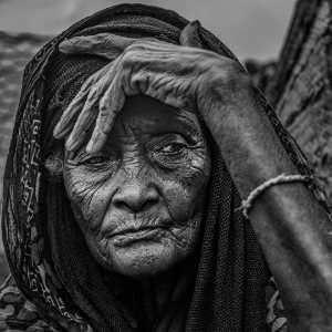 PhotoVivo Gold Medal - Xiaofeng Shen (China)  Elderly Woman