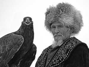 APU Winter Merit Award E-Certificate - Liansan Yu (China)  An Old Man With An Eagle