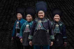 APU Gold Medal - Jincheng Zhou (China)  Old Sisters