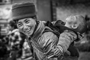 PhotoVivo Gold Medal - Dingfeng Zheng (China)  Mom's Back