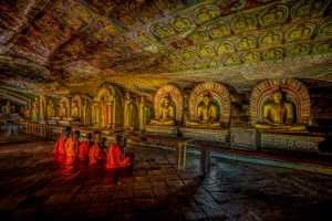 APU Honor Mention e-certificate - Pandula Bandara (Sri Lanka)  Praying Inside The Cave