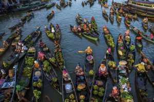 SIPC Gold Medal - Xiaoqing Zhang (China)  Floating Market