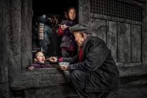 PhotoVivo Gold Medal - Yiping Lai (China)  Care For